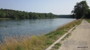 Nah dem Rhein entlang